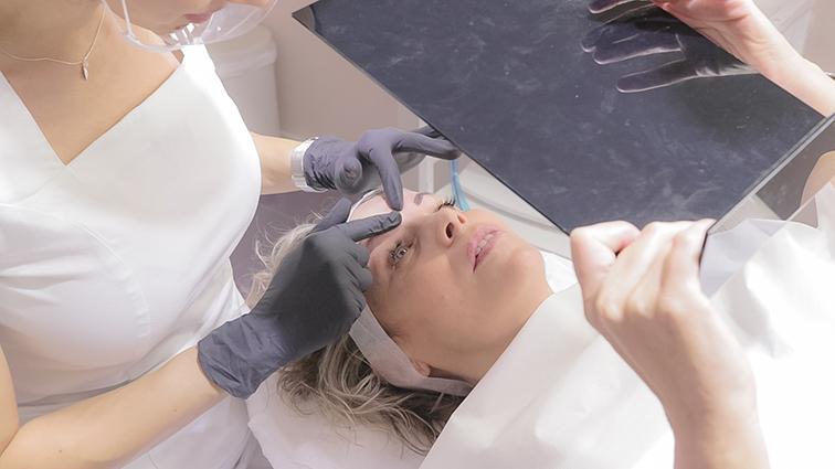 Resultatdo final de una micropigmentación de cejas en Barcelona por Ana Paula Landi