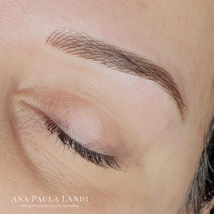 foto de micropigmentación de cejas pelo a pelo realizada por Ana Paula Landi - Barcelona