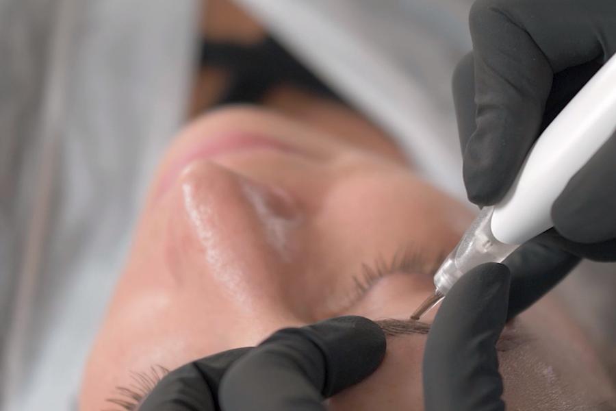 El maquillaje permanente de Cejas con Ana Paula Landi en Barcelona